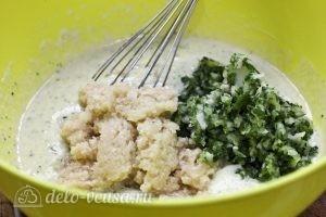 Оладьи из кабачков и картофеля: Добавить картошку в тесто
