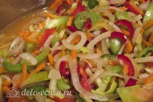 Салат из зеленых помидоров на зиму: Пусть овощи пустят сок