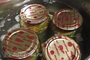 Салат из зеленых помидоров на зиму: Стерилизуем салат в банках