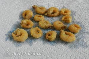 Салат с креветками, кукурузой и яйцом: Обжарить на сковородке
