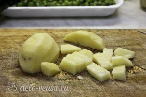 Суп-пюре из зеленого горошка: Порезать картошку кубиками