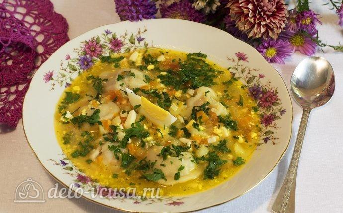 Суп с пельменями и яйцом