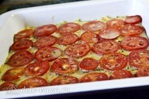 Запеканка из кабачков, помидоров и сыра: Извлекаем почти готовую запеканку из духовки