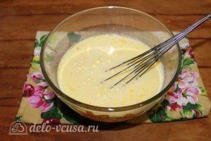 Блины с ветчиной и сыром: Добавить теплое молоко