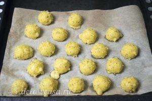 Картофельные шарики с сыром: Выпекаем до готовности