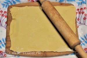 Хворост на молоке: Раскатать тесто