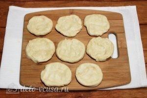 Пирожки с повидлом: Разравниваем отрезанные кусочки