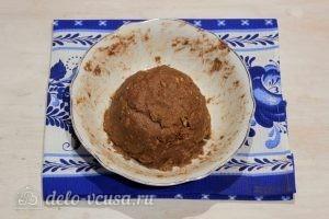 Пирожное Картошка из печенья со сгущенкой: Вымешиваем массу
