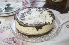 Муссовый кокосовый торт с шоколадом