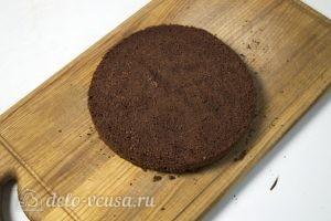 Муссовый кокосовый торт с шоколадом: Корж остудить