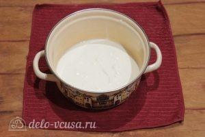 Сметанный крем: Выложить сметану