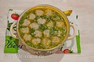 Суп с фрикадельками и лапшой: Доводим суп до кипения