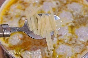 Суп с фрикадельками и лапшой: Добавляем лапшу