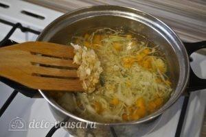 Овощной суп с зеленым горошком: Добавить жареный лук