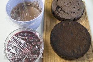 Торт Черный лес: Дать ингредиентам настояться