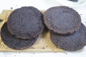 Торт Черный лес: Разрезать бисквиты