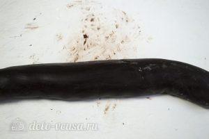 Торт Спартак: Скатываем колбаску из теста