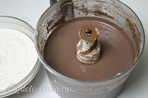 Ванильно-шоколадный творожный десерт: Приготовить ванильную и шоколадную массу