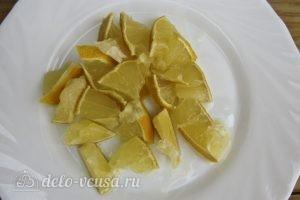 Варенье из инжира: Нарезать лимон