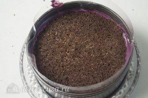 Черничный муссовый торт: Кладем на слой мусса второй корж