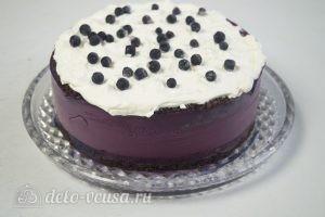 Черничный муссовый торт: Украшаем торт