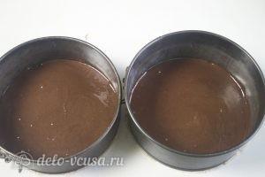 Черничный муссовый торт: Выпекаем два шоколадных коржа