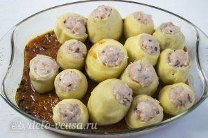 Картофельные гнезда с курицей: Размещаем картофелтины вплотную друг с другом