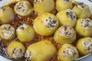 Картофельные гнезда с курицей: Подаем блюдо