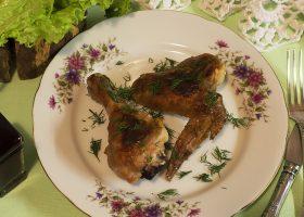 Курица в духовке под соусом