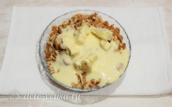 Пирожные из печенья и сгущенки: Добавляем ванилин и сгущенное молоко
