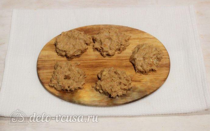 Пирожные из печенья и сгущенки: Вылепливаем круги