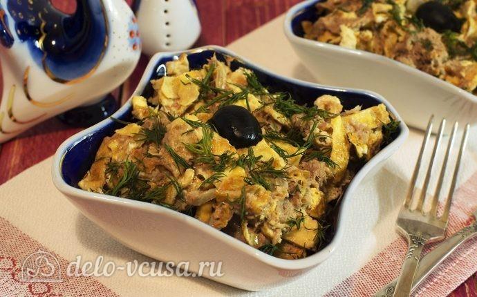 Салат с говядиной и яйцом