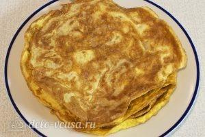 Салат с говядиной и яйцом: Испекаем 5 яичных блинов