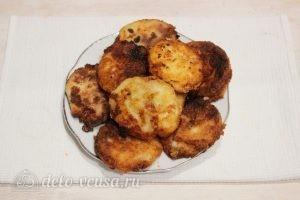 Сырники с вареной сгущенкой: Выкладываем сырники