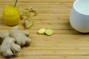 Имбирный чай с медом: Почистить имбирь