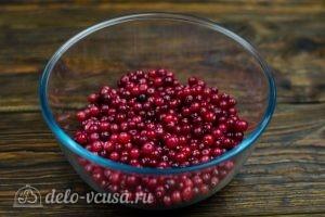 Клюквенный морс: Подготовить ягоды