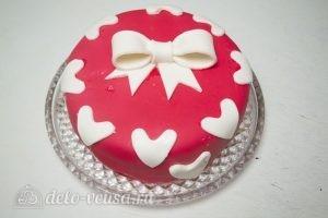 Торт на День Валентина: Убираем бумагу