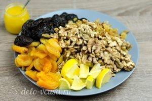 Витаминная смесь из сухофруктов: Все ингредиенты готовы