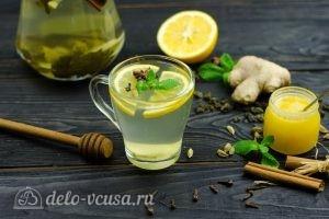Зеленый чай с имбирем и корицей: Добавляем мед