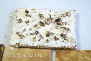 Медовик на желтках: При желании добавляем орехи и сухофрукты