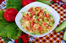 Салат из яиц, огурцов и помидоров