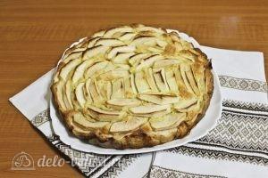 Цветаевский пирог с яблоками: Переложить пирог на блюдо