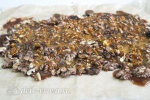 Ореховое пралине: Заливаем орехи карамелью