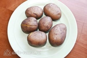 Картофельные клецки: Варим картофель в мундирах