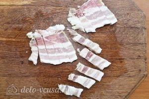 Картофельные клецки: Нарезаем сало