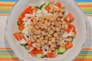 Овощной салат с фасолью: Добавить фасоль