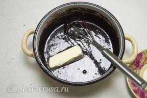 Торт-суфле Птичье молоко: Добавляем в глазурь сливочное масло