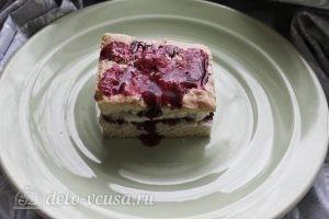 Пирожные с творожным кремом: Накрываем второй половинкой бисквита