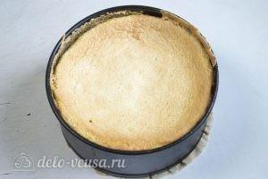 Бисквитный торт с творожным кремом: Остужаем бисквит