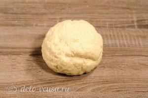 Булочки-зайчики: Скатать тесто в шар